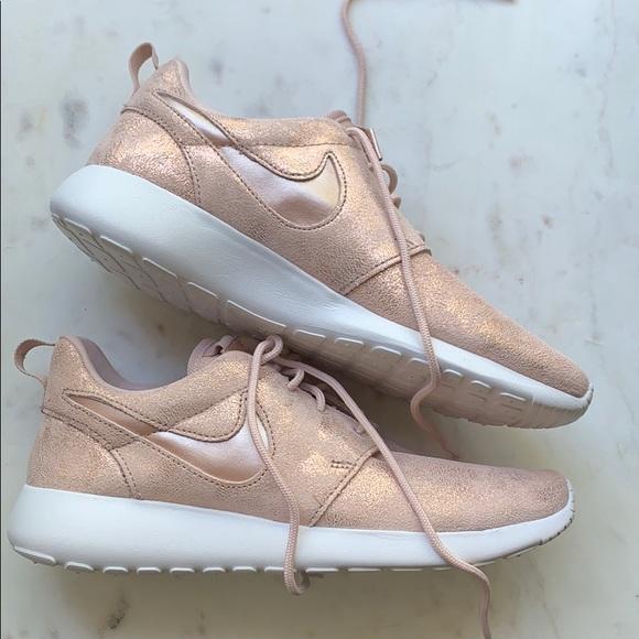 Sale Nike Pink Rose Gold Roshe